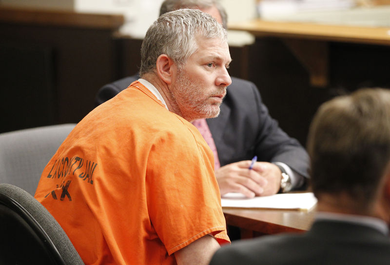 © Reuters. FILE PHOTO: Former Major League baseball player Lenny Dykstra appears Los Angeles Superior court for an arraignment in San Fernando, California