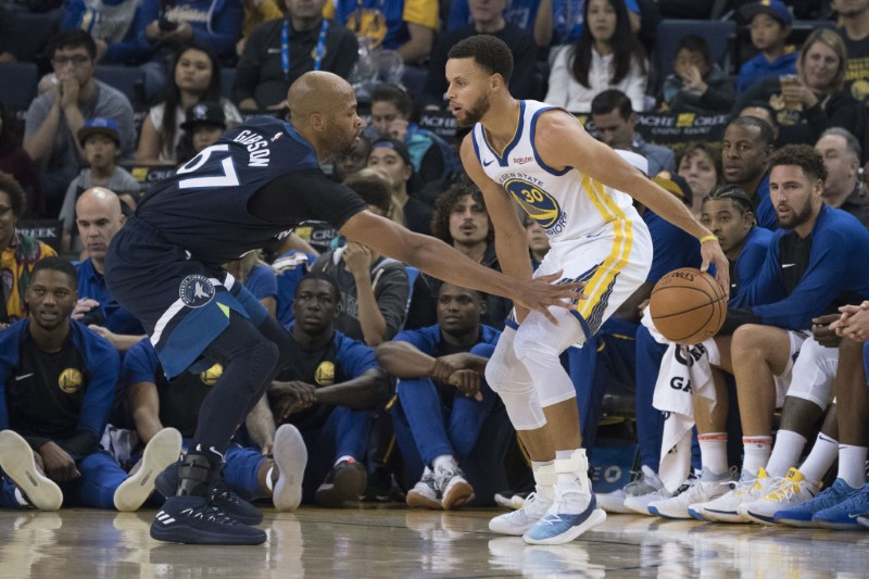 © Reuters. NBA: Preseason-Minnesota Timberwolves at Golden State Warriors