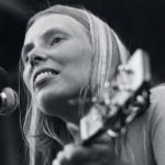 Flashback: Joni Mitchell Gigs With Jazz All-Stars in 1979