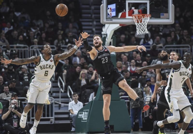© Reuters. NBA: Detroit Pistons at Milwaukee Bucks