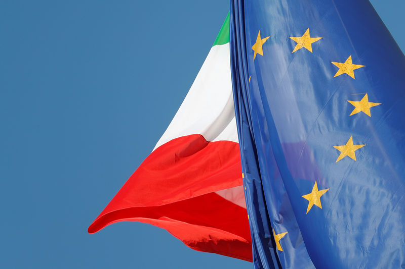 © Reuters. Italy's League resisting large cut to 2019 deficit goal: sources