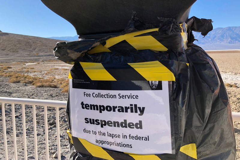 © Reuters. A National Park entrance fee collection service is temporarily suspended at Badwater Basin in Death Valley National Park in California