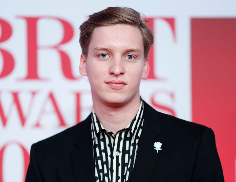 © Reuters. George Ezra arrives at the Brit Awards at the O2 Arena in London