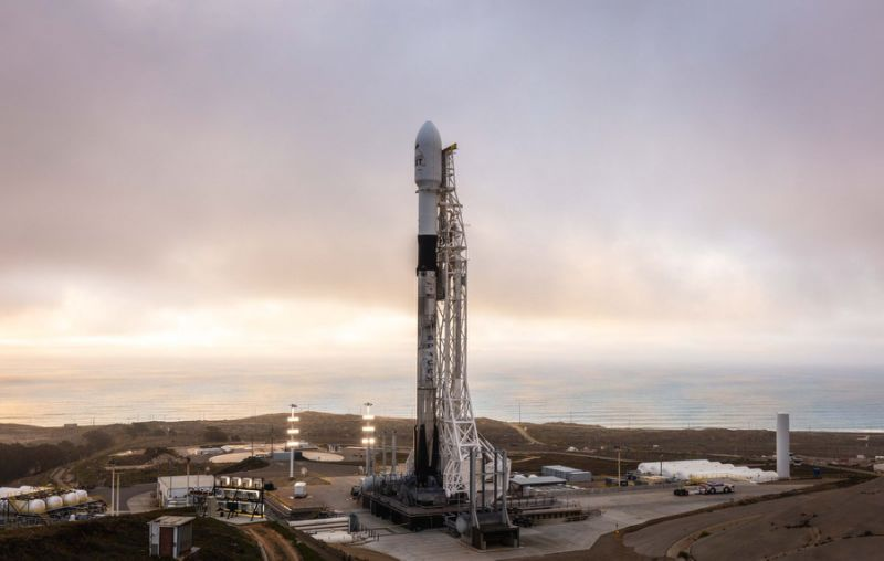 You Can Watch SpaceX Launch 10 Satellites and Land a Rocket Today! Here's How.