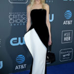 Nicole Kidman Is Glam In A Strapless Black & White Gown At Critics' Choice Awards