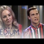Wendi McLendon-Covey Gets Answers She's Looking For About Uncle | Hollywood Medium | E!
