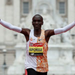 Kipchoge strides to fourth London Marathon title, as Farah struggles