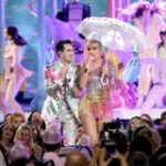 """BBMAS: Watch Taylor Swift & Brendon Urie Perform """"ME!"""" For The First Time"""