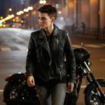 BRuby Rose Takes On Gotham In Latest Batwoman Footage
