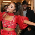 ariana grande donates $250,000 to planned parenthood