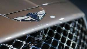 a close up of a device: Genesis G90 facelift (KDM Spec)