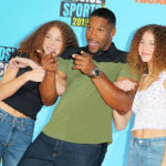 Michael Strahan & Twin Daughters, 14, Goof Off On Kids' Choice Sports Awards Red Carpet