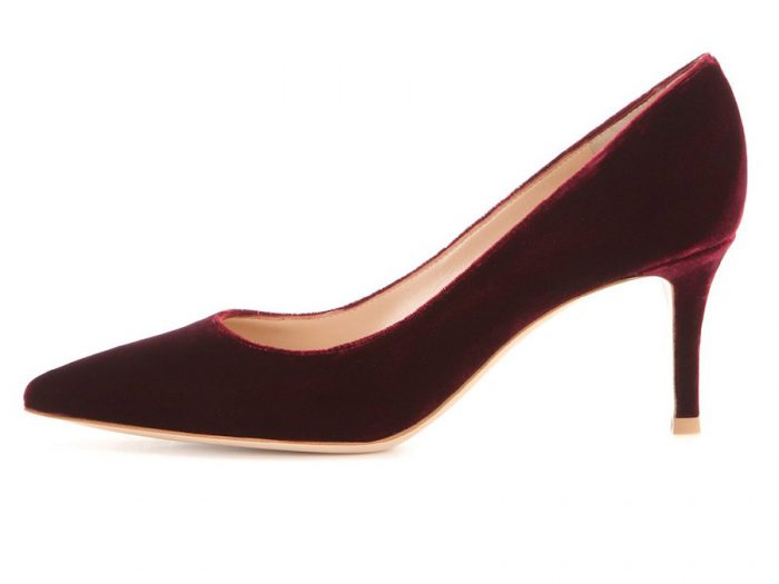 Amazon velvet pumps