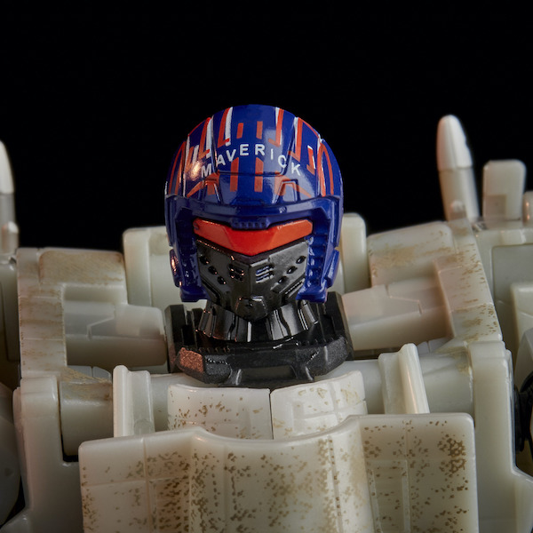 top-gun-transformers-helmet-close-up